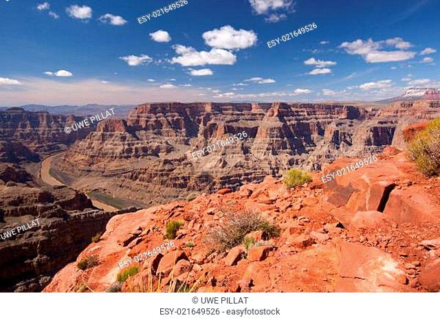 Landschaft des Grand Canyon mit Colorado River