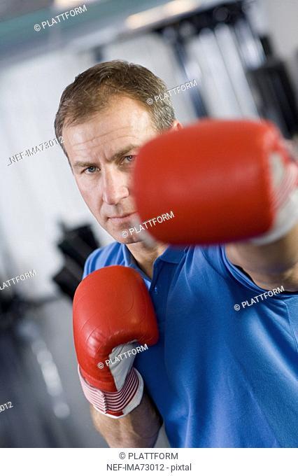 A man boxing Sweden