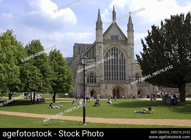 Winchester Cathedral and Gardens