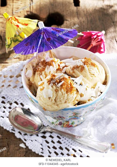 White chocolate ice with brittle