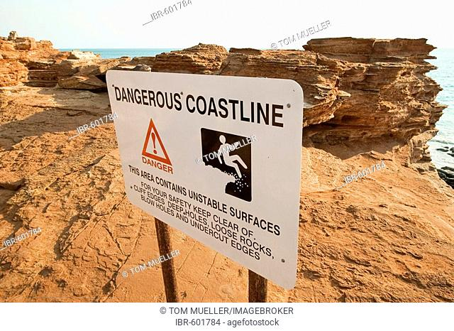 Warning sign (Dangerous Coastline), Gantheaume Point, Broome, Western Australia, WA, Australia