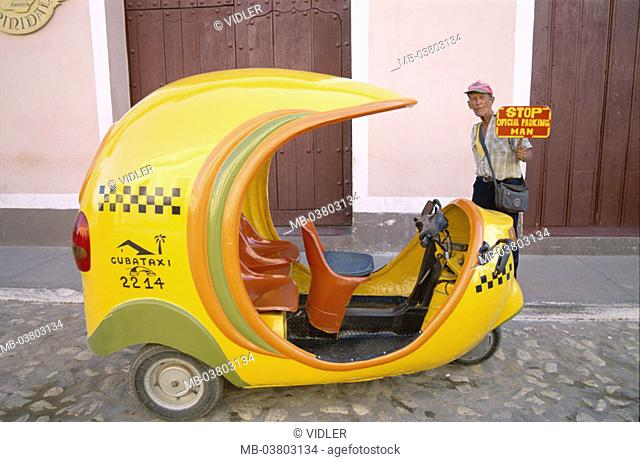 Cuba, Trinidad, tricycle 'Cocotaxi'   Central America, means of transportation publicly, tricycle moped, Motodreirad, roofs Coco taxi