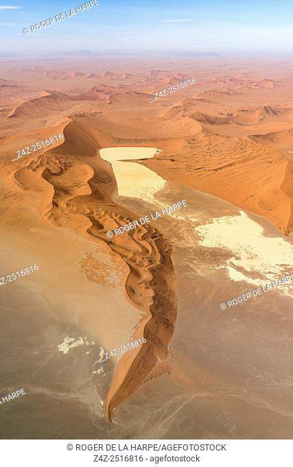 Namib Sand Sea. Desert scenery. Sossusvlei. Namib-Naukluft National Park. Near Sesriem. Namibia