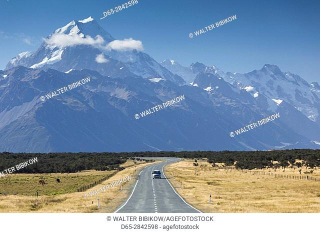 New Zealand, South Island, Canterbury, Aoraki-Mt. Cook National Park, Mt. Cook and Highway 80