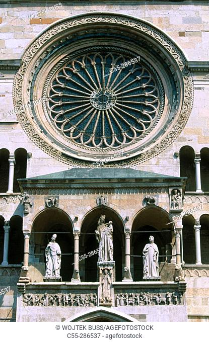 Detail of Cremona Cathedral (1107-1117) in Piazza del Comune. Lombardy, Italy