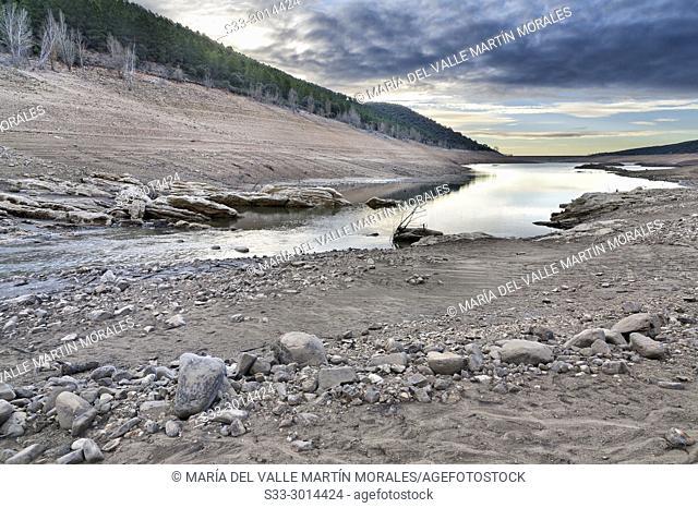 Drought at Belenia reservoir. Sierra Norte. Guadalajara. Spain