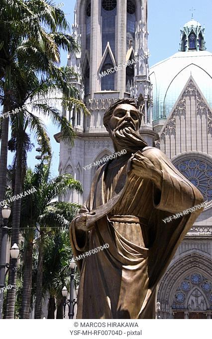 Sculpture, Sé Square, Sé Cathedral, São Paulo, Brazil