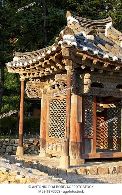 Detail of a traditional korean home made of wood  Seoul  South Korea