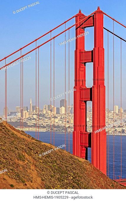 United States, California, San Francisco, Golden Gate National Recreation Area, the San Francisco skyline seen throught the Golden Gate Bridge