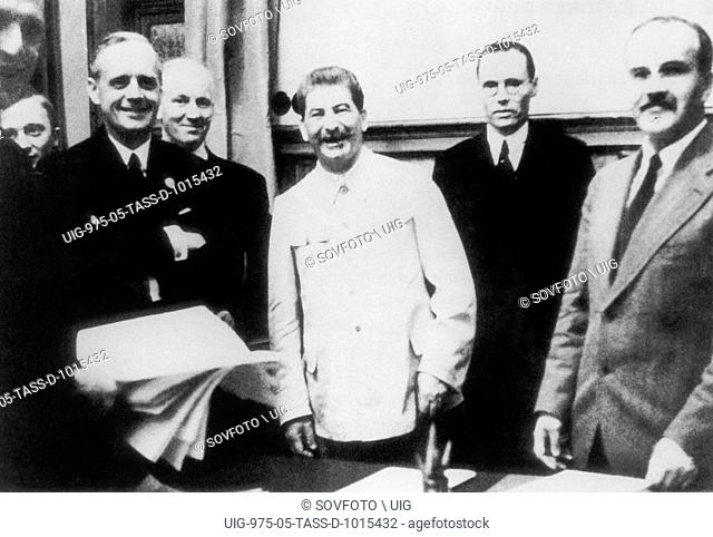 MOSCOW, USSR. Foreign Minister of Germany, Joachim von Ribbentrop, Soviet Leader Stalin and Soviet foreign minister Vyacheslav Molotov