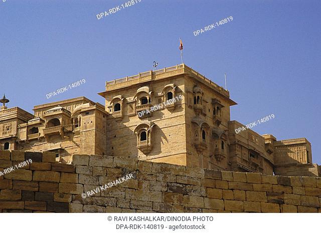 Trikuta mountain is location of fort jaisalmer  constructed by Rawal Jaisal ; Jaisalmer city ; Rajasthan ; India