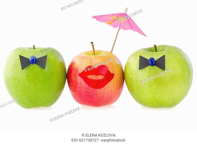 Three apples as a concept of competition between two male and o