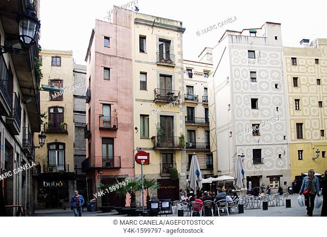 People on Plaça de Santa Maria in front of the church of Santa Maria del Mar, Barcelona, Catalonia, Spain
