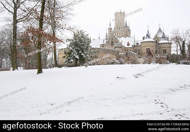 26 January 2021, Lower Saxony, Pattensen: Snow lies at Marienburg Castle. Photo: Julian Stratenschulte/dpa. - Pattensen/Lower Saxony/Germany