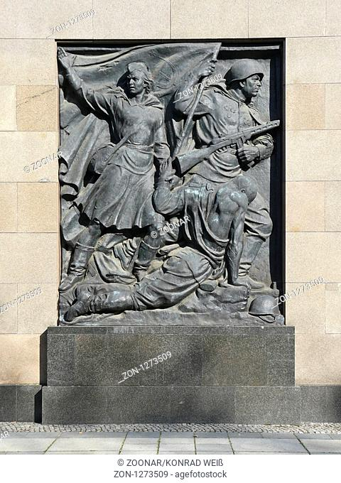 Bronze Relief at the Soviet memorial Schoenholz