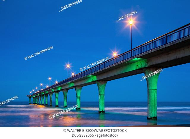 New Zealand, South Island, Christchurch-New Brighton, Christchurch Pier, dusk