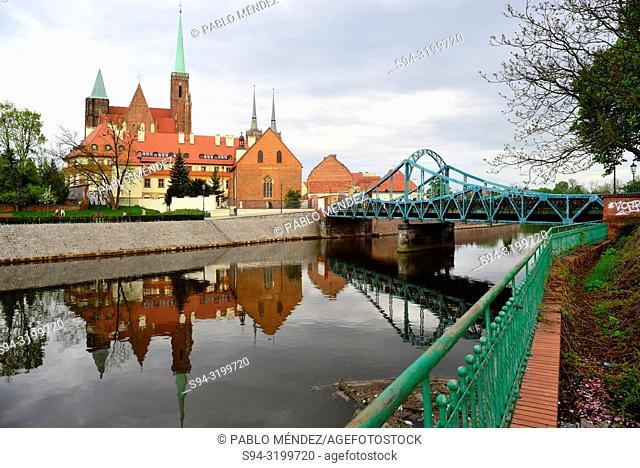 Church of Sainte Cross, Saint John Baptist and Oder river in Wroclaw, Silesia, Poland