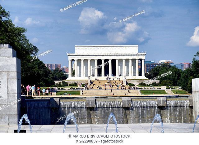 The Lincoln Memorial seen from the National World War II Memorial, Washington D.C., USA