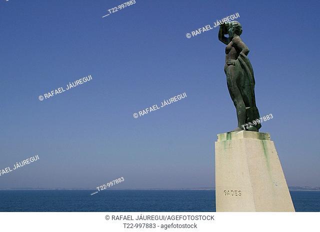 Cádiz España  Monumento a la ciudad de Cádiz en el puerto de la ciudad  Monument to the city of Cadiz in the port city