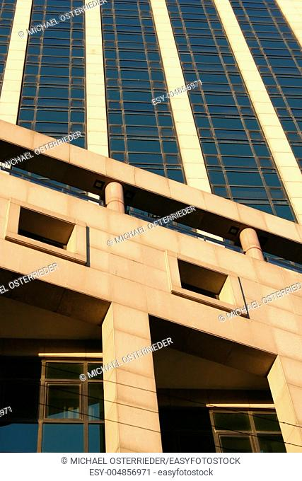 Building in Montevideo - Plaza Indepedencia