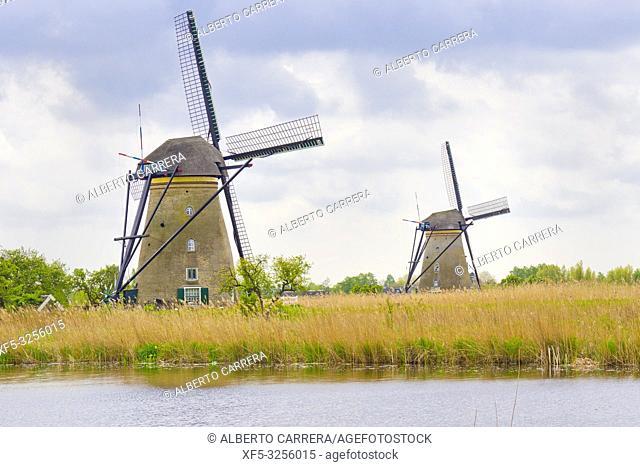 Kinderdijk, Traditional Dutch Windmills Pumping Water, UNESCO World Heritage, Holland, Netherlands, Europe