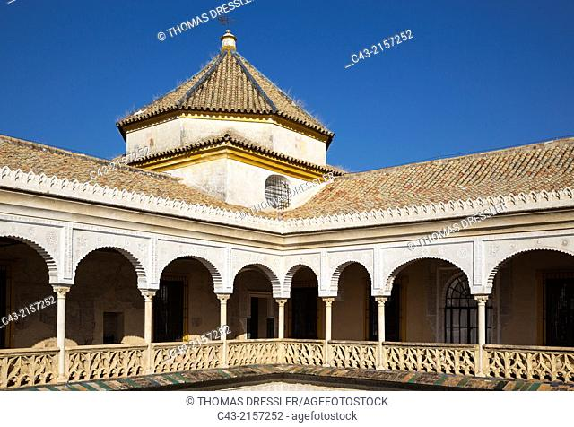 The colonnaded upper floor of the Casa de Pilatos, one of Seville's finest mansions. Seville, Seville province, Andalusia, Spain