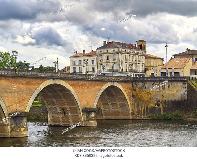 Vieux Pont, Old Bridge, Bergerac, Dordogne Department, Nouvelle Aquitaine, France