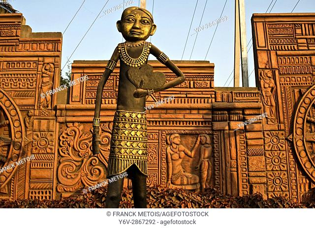 Dhokra sculpture at Dhamtari ( Chhattisgarh state, India). Dhokra metal art is a traditional technique of metal casting used in central India