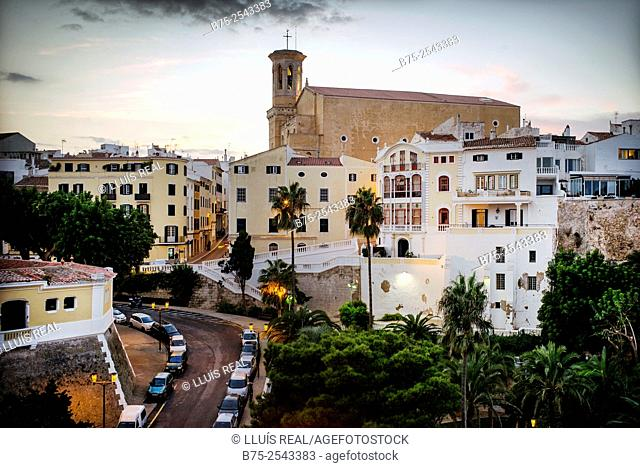 View of the city of Mahón with the church of Santa Maria in the background. Maó, Mahón, Menorca, Balearic Islands, Spain, Europe
