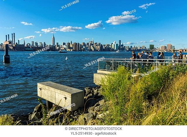 New York City, USA, East River Scenic, Manhattan skyline, DUMBO Neighborhood, Brooklyn District