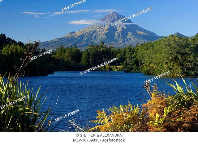 Mount Egmont - lake and perfectly cone-shaped volcanoe Mt Egmont also called Mt Taranaki
