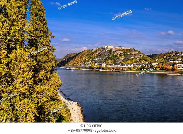 Germany, Rhineland-Palatinate, upper Middle Rhine Valley, Koblenz, Rhine shore with district and Ehrenbreitstein Fortress