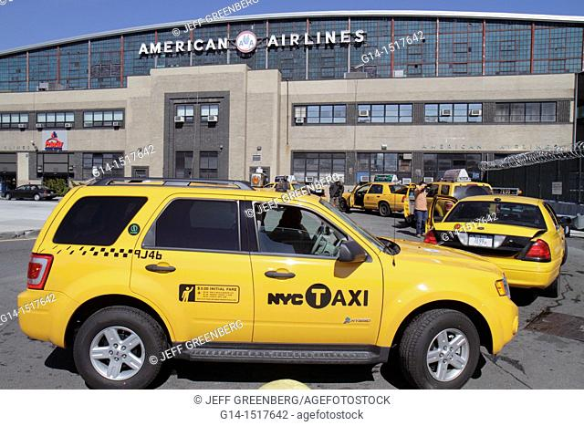 New York, New York City, NYC, Queens, LaGuardia Airport, LGA, ground transportation, American Airlines terminal exterior, taxi stand, yellow cab, car, vehicle
