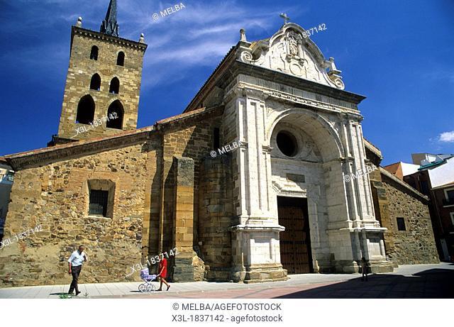 Santa Maria de Azoque church  Benavente  Zamora  Spain