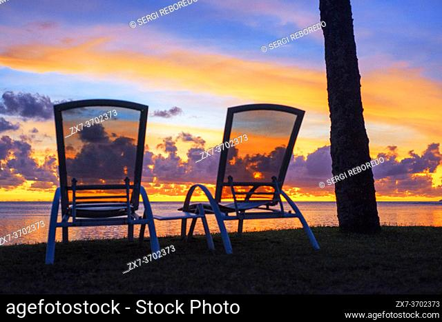 Sunset in Le Meridien Hotel on the island of Tahiti, French Polynesia, Tahiti Nui, Society Islands, French Polynesia, South Pacific