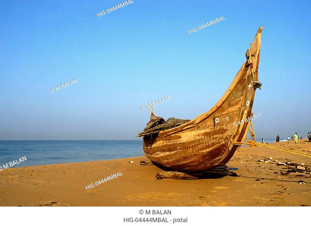 TRADITIONAL FISHING BOAT AT SANGHUMUGHOM BEACH TRIVANDRUM