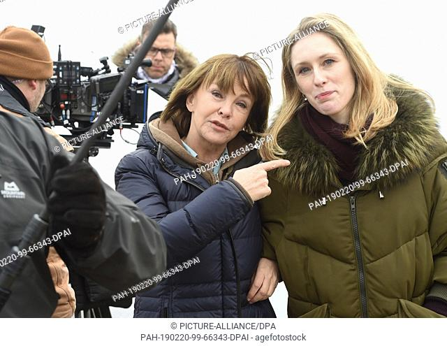 20 February 2019, Mecklenburg-Western Pomerania, Bansin: Actress Katrin Sass (l) as Karin Lossow and her colleague Rikke Lylloff as Commissioner Ellen Norgaard...