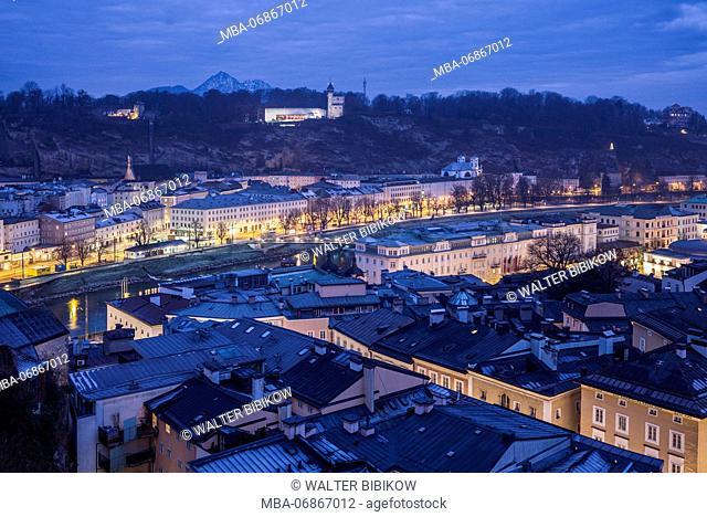 Austria, Salzburgerland, Salzburg, Museum der Moderne Monchsberg, modern art museum, above the city skyline, dawn, winter