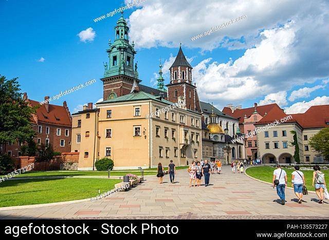 Poland, August / September 2020: Impressions Poland - 2020 Poland / Krakow-Krakau / Wawel Castle   usage worldwide. - /Polen