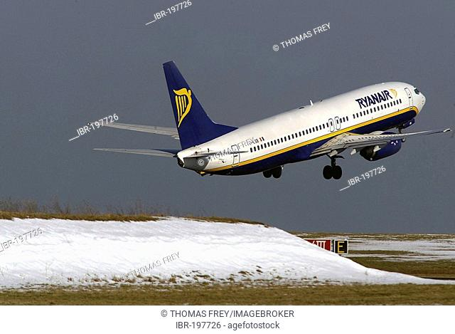 A Boeing 737 aircraft of the irish low-cost carrier Ryanair takes off at airport Frankfurt/Hahn, Rhineland-Palatinate, Germany