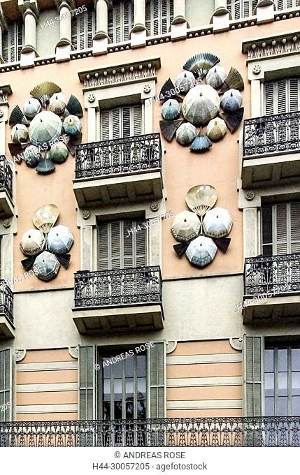 Barcelona, Casa Bruno Cuadros, Catalonia, La Rambla, Ramblas, Spain, The Umbrella House, fans