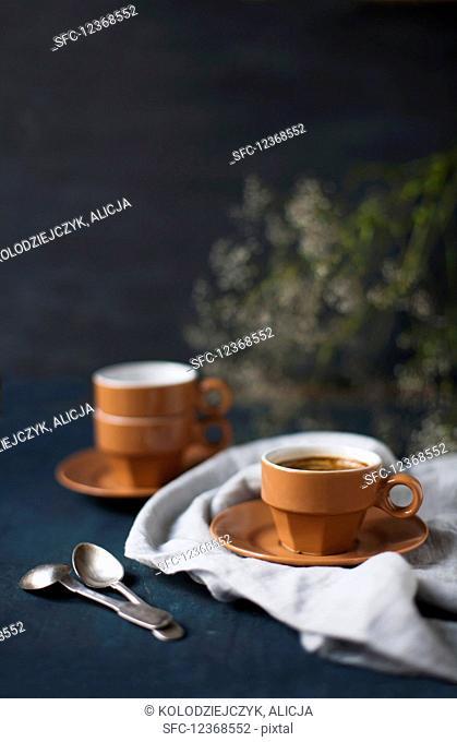 Espressotasse on cloth