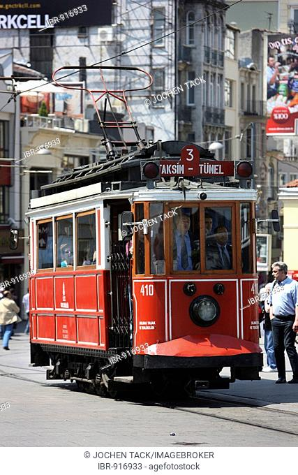 Tuenel tram through the main pedestrian zone, Istiklal Caddesi in the Boyoglu district, Sultanahmet, Istanbul, Turkey