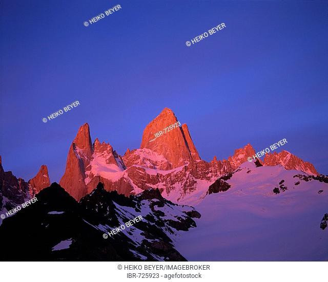 Mt. Cerro Fitz Roy (aka Cerro Chaltén), Patagonia, Santa Cruz Province, Argentina, South America