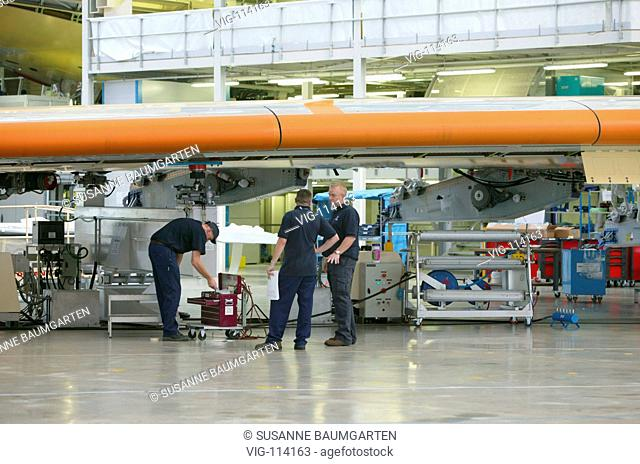 Final assembly of the Airbus A380 at the works Jean Luc Lagardere in Toulouse - Blagnac: Preparation of a wing of the A380