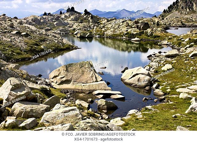 Luzeros Lake - Gistaín - Chistau - Gistain Valley - Province of Huesca - Aragon Pyrenees - Sobrarbe - Aragon - Spain - Europe