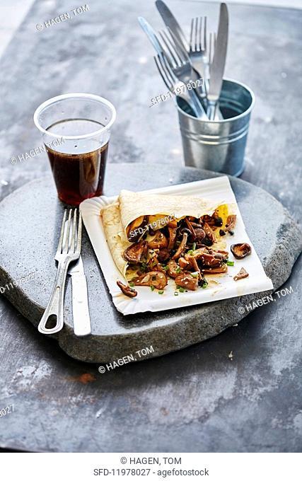 Crêpe with wild mushrooms