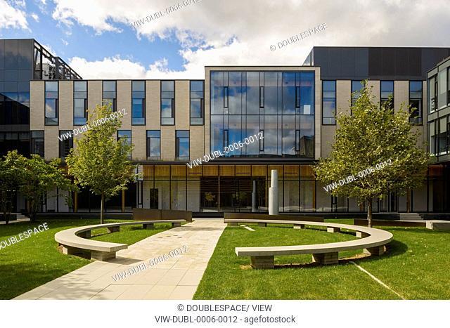 Centre for International Governance Innovation: CIGI, Waterloo, Canada. Architect: KPMB architects, 2012. View across the inner courtyard