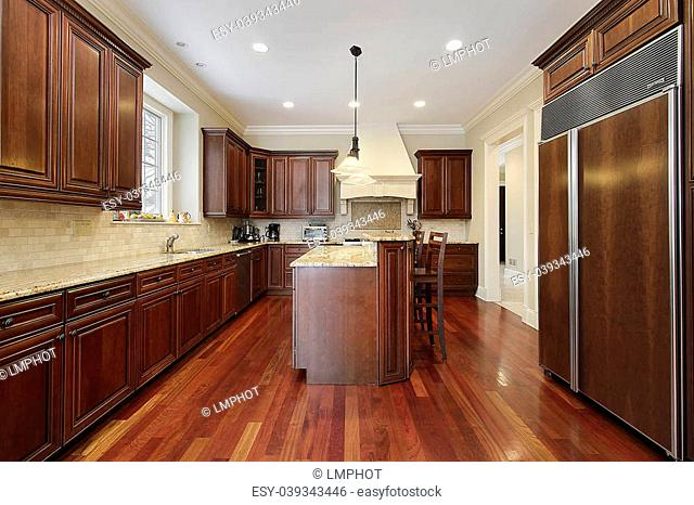 Kitchen With Cherrywood Cabinets Stock Photos And Images Agefotostock