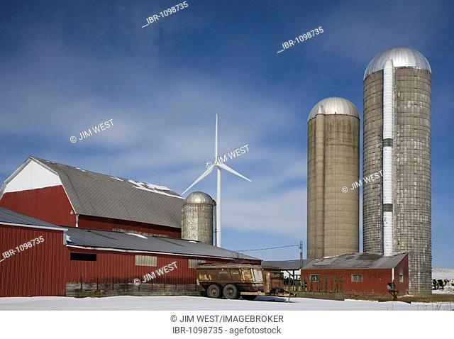 A wind turbine on a farm in the Noble Thumb Windpark, owned by John Deere Wind Energy, Ubly, Michigan, USA